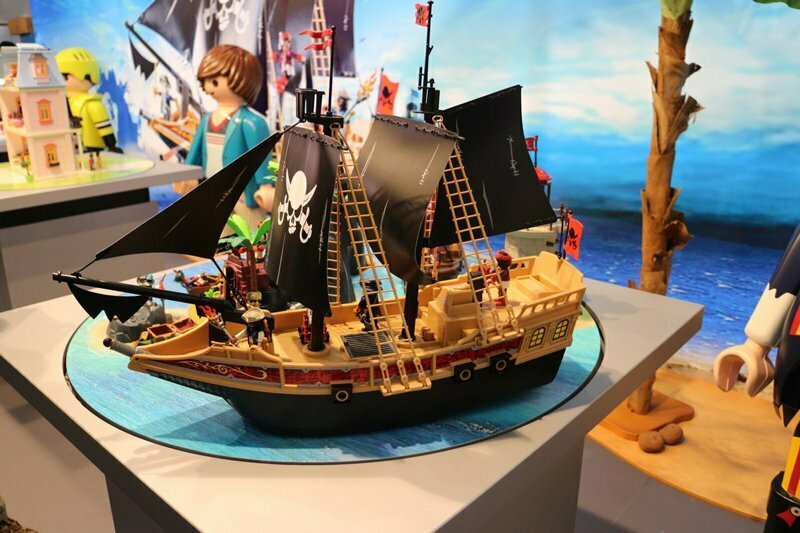 neuheit spielwarenmesse 2015 playmobil piratenschiff toys world spielwaren gmbh. Black Bedroom Furniture Sets. Home Design Ideas